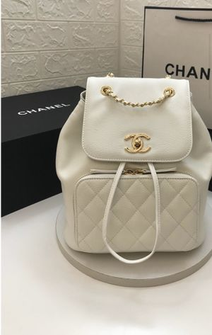 Authentic Chanel bag (women) for Sale in Orlando, FL