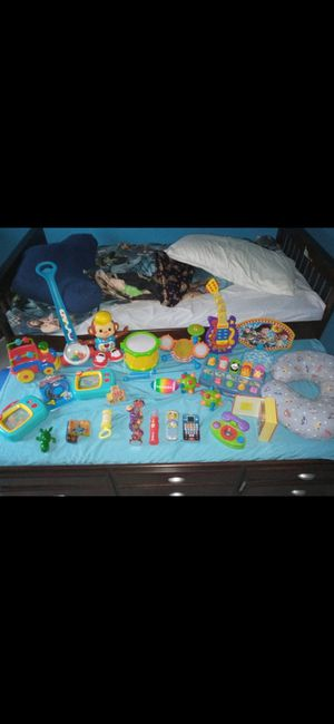Bundle of baby/toddler toys and pillow for Sale in Batesburg-Leesville, SC