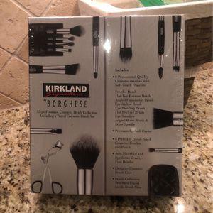 New Kirkland Makeup Brush Set for Sale in Dallas, TX