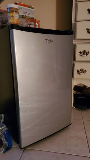 Whirlpool Mini Fridge & George Foreman Grill for Sale in North Las Vegas, NV