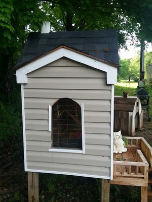 Rabbit House and dogs house both handmade! for Sale in Lenoir City, TN