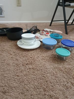Full kitchen utensils set.. good condition. for Sale in South Brunswick Township, NJ