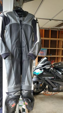Triumph Alpinestars Leather Track Suit Size 46 for Sale in Redmond,  WA