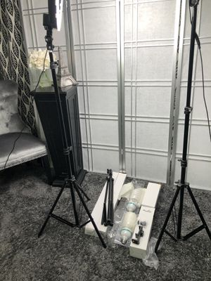 Photography Bundle 2X Tripods 2X 120w Bulbs + for Sale in Irving, TX