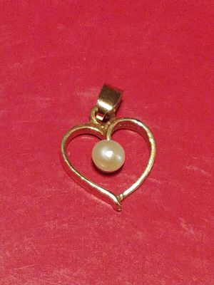 14K GOLD PEARL HEART CHARM for Sale in Tampa, FL