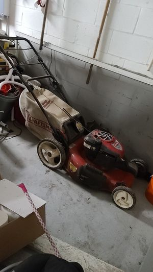 Craftsman mower for Sale in Tarpon Springs, FL