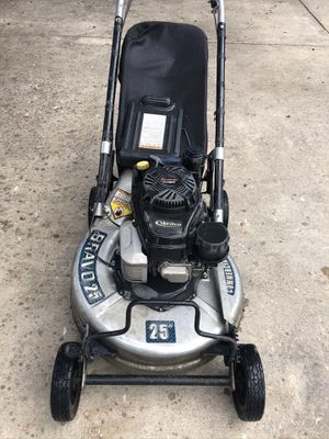 Ybravo mower for Sale in San Antonio, TX