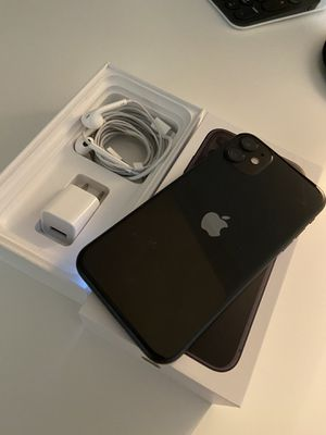iPhone 11 64 GB unlocked for Sale in Long Beach, CA