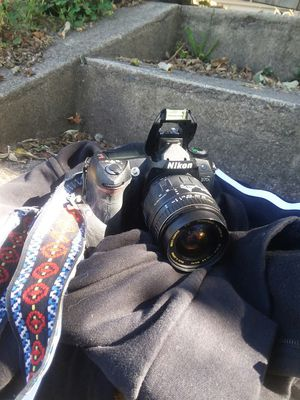 Nikon D70s w/ 28-90 mm Macro Lense for Sale in Portland, OR