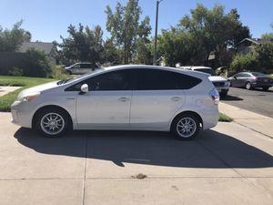 Clean Title 2013 Toyota Prius V Three 137k Miles for Sale in Rialto, CA