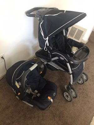 Chicco car seat and stroller for Sale in Detroit, MI