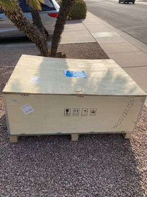 Free crate for Sale in Scottsdale, AZ