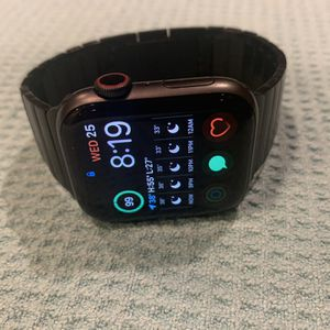 Apple Watch Series 5 for Sale in Albuquerque, NM