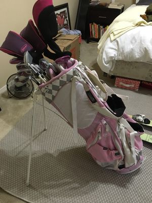 Wilson Hope women's golf clubs and pink argyle Ogio golf bag. Used a handful of times and in great condition! for Sale in Austin, TX