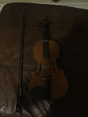 Violin, 4/4, bow, and shoulder rest for Sale in Las Vegas, NV