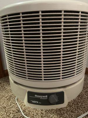 Honeywell HEPA Air Purifier for Sale in Woodland Park, CO