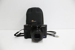 Sony Cyber-shot RX-100 Digital Camera for Sale in Los Angeles, CA