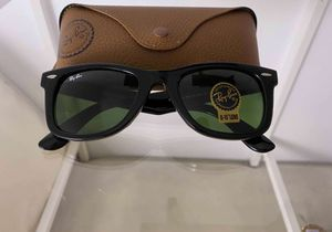 Brand New Authentic RayBan Wayfarer Sunglasses for Sale in Phoenix, AZ