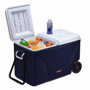 Large cooler chest for Sale in Laguna Niguel, CA