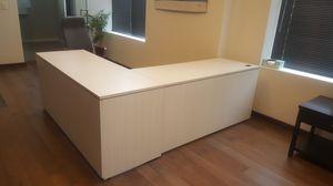 White Corner Desk for Sale in Palatine, IL