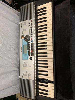 Yamaha PSR-225GM portable 61 key electronic 1 touch keyboard for Sale in Fullerton, CA