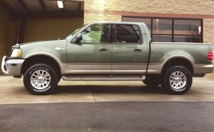2OO2 Ford F150 King Ranch for Sale in Wichita, KS