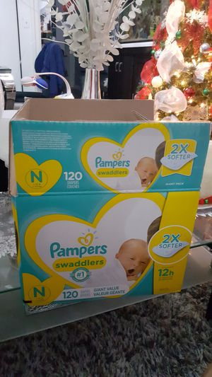 Newborn pampers swaddlers for Sale in New York, NY