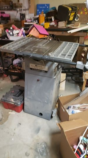 "Rockwell 9"" contractors table saw for Sale in Independence, MO"