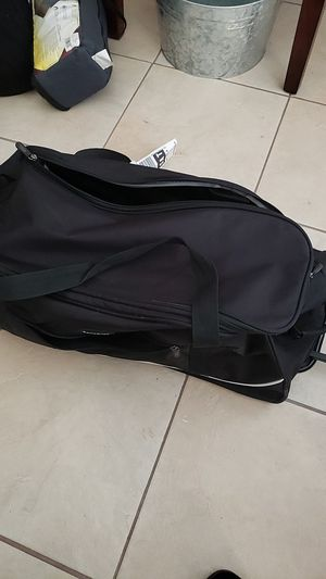 Duffle bag with wheels for Sale in Elmendorf, TX