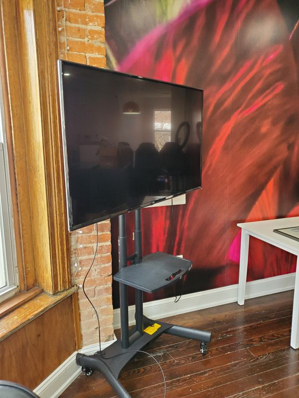 55 Inch 4k LG Smart TV With Stand
