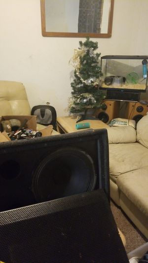 15 in or 12 in Jbl subwoofer in Behringer sub boxes for Sale in Bloomington, IL