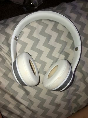 Beats solo wireless & Bluetooth for Sale in Fresno, CA