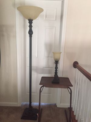 Oil Rubbed Bronzed Floor and Table Lamp for Sale in Kettering, MD