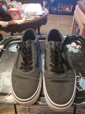 Vans ward deluxe shoes size 9.5 for Sale in Columbia, SC