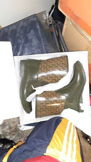 Michael Kors Rain Boots for sale for Sale in UPPER ARLNGTN, OH