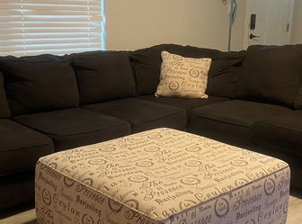 Beautiful Sectional with ottoman And Chairs! Free delivery! for Sale in Plant City,  FL