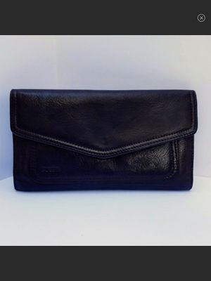Fossil Tri-Fold Checkbook Style Leather Wallet for Sale in Durbin, WV