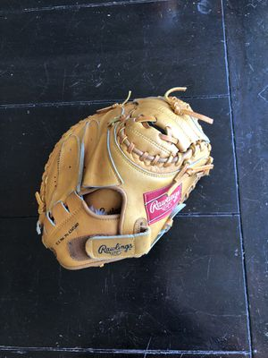 (NEW) Rawlings RCM33 Pro Model Catchers Mitt for Sale in North Aurora, IL