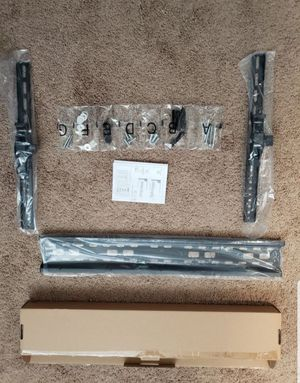 tv wall mount fits 22 to 70 inch ... new in box for Sale in Plano, TX