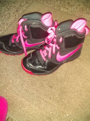 Girls Nike ACG boots for Sale in Louisville, OH