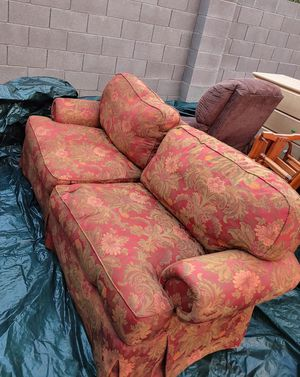 $150.00 very nice full-size couch very comfortable hardly been used has two nice pillows for Sale in Apache Junction, AZ