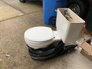 Free American standard Toilet for Sale in Vancouver, WA
