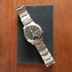 Seiko 5 Automatic Watch - Like New for Sale in Columbia, SC