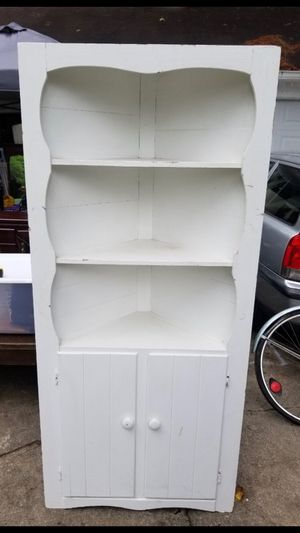 Lovely Vintage Corner Cabinet/Shelf Reduced Need the Space for Sale in Lithonia, GA