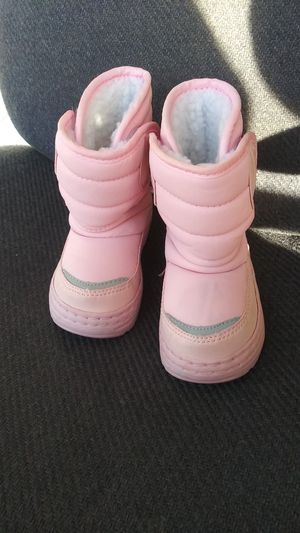 Toddler snow boots for Sale in Joplin, MO