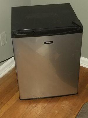 Mini fridge for Sale in Stone Mountain, GA