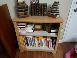 Small book shelf for Sale in Dunwoody, GA