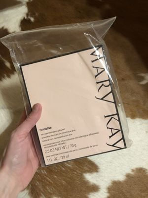 Mary Kay Microdermabrasion Plus Set for Sale in Bryan, TX