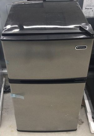 Whynter 3.4 cu. ft. Energy Star Stainless Steel Compact Refrigerator/Freezer in Black Home and Garden TX for Sale in Houston, TX