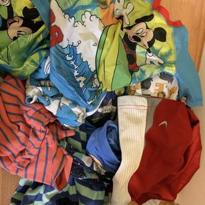 Boys 4t And Size 5t Bag Of Clothes for Sale in Pompano Beach, FL